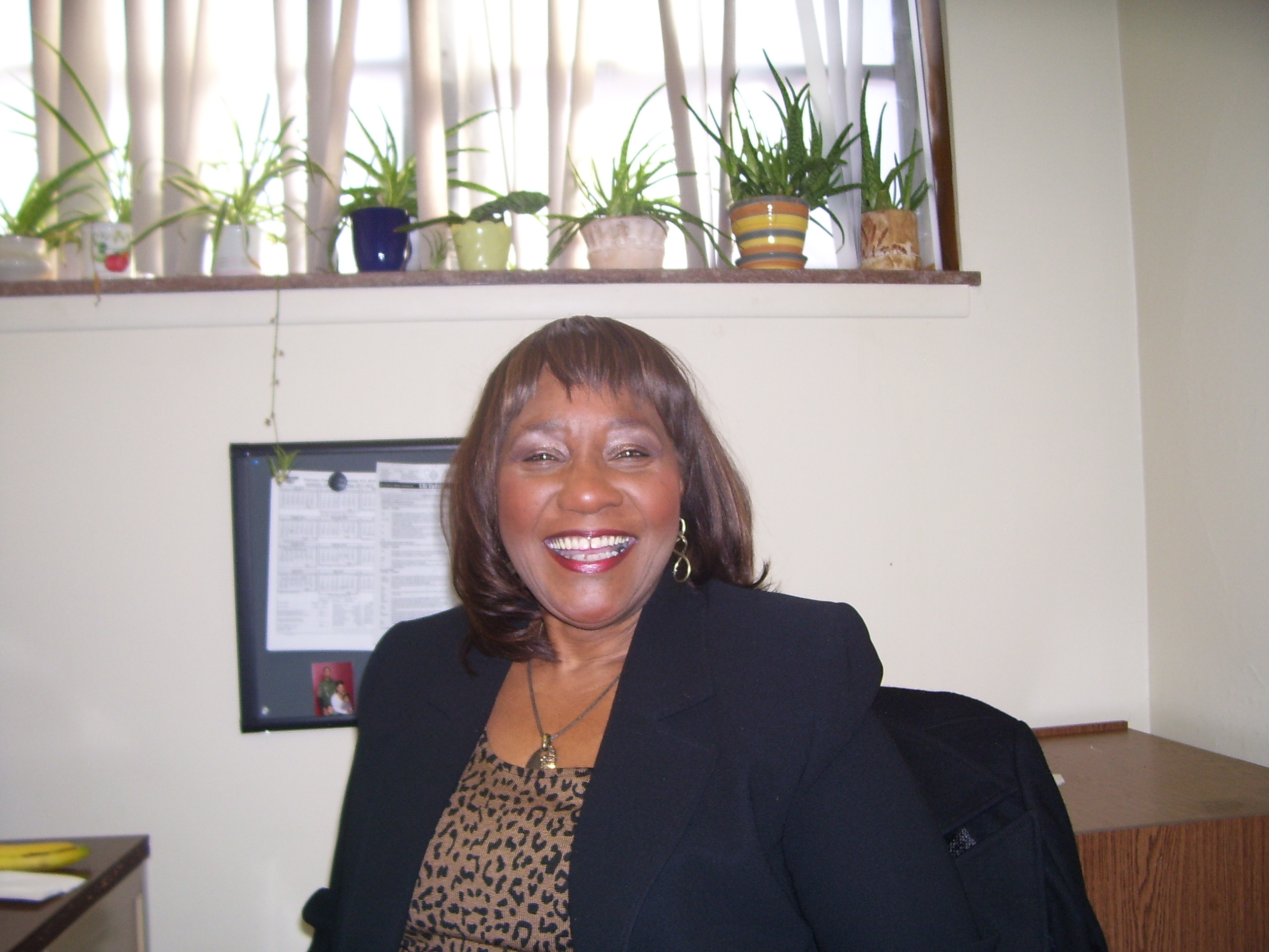 Dr. Yvonne Wallace